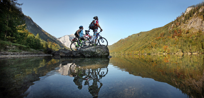 includes/images/header/zellamsee/5-Langbathsee-Rad-Mountainbike-OOE-Tourismus-Roebl.jpg
